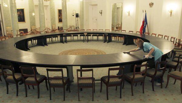 Круглы стол, за якім праходзілі перамовы ўладаў і апазіцыі ў Польшчы ў 1989 годзе - Sputnik Беларусь