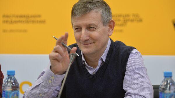 Экономист, бывший член рабочей группы Совмина по формированию странового имиджа Ярослав Романчук - Sputnik Беларусь