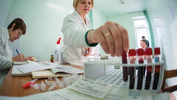 Врачи станции переливания крови привезли из Гродно в Скидель все необходимое оборудование, они принимали доноров с 9 до 17 часов. - Sputnik Беларусь
