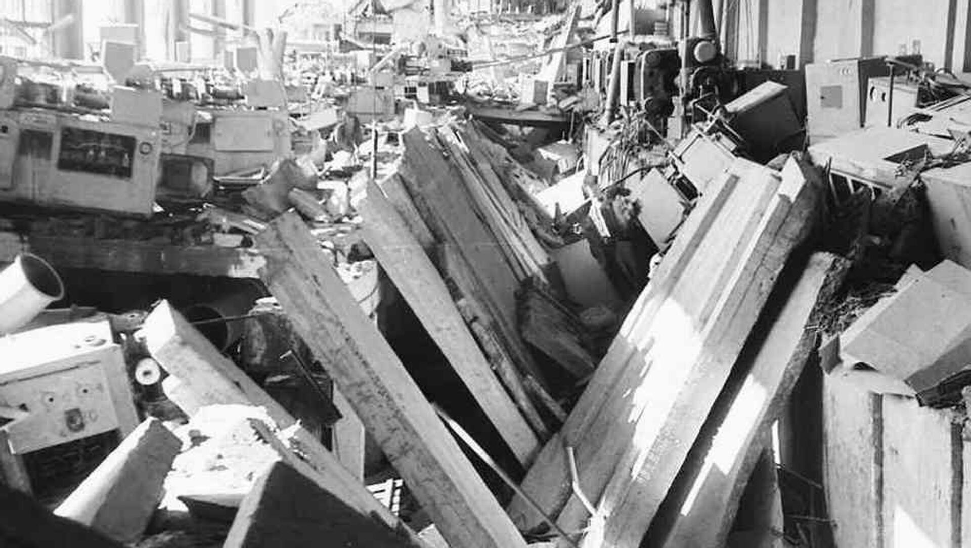 Так выглядел цех футляров Минского радиозавода после взрыва - Sputnik Беларусь, 1920, 10.03.2021