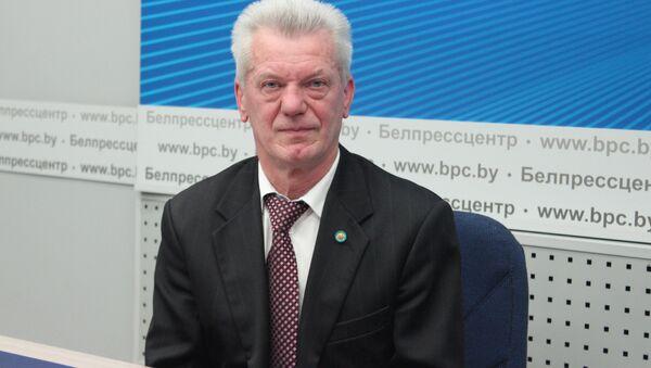 Доктор философских наук, политолог Лев Криштапович - Sputnik Беларусь