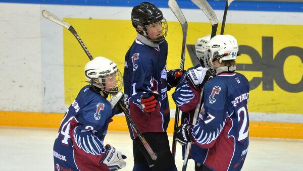 Хоккейная команда Грифоны, в которой играет младший сын президента Беларуси Николай Лукашенко - Sputnik Беларусь