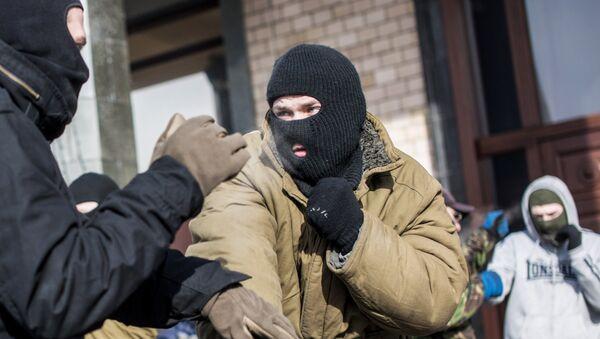 Тренировка по рукопашному бою бойцов в палаточном лагере на площади Независимости в Киеве, архивное фото - Sputnik Беларусь
