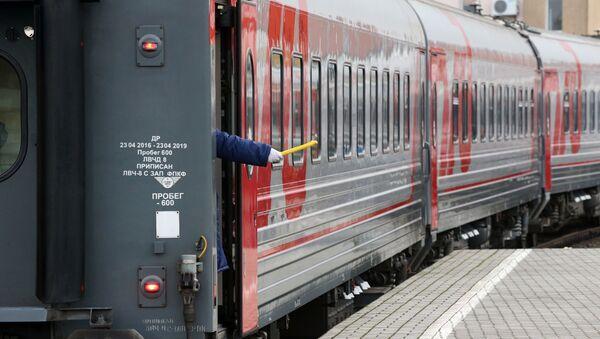 Торжественные мероприятия в честь 55-летия фирменного поезда Янтарь в Калининграде - Sputnik Беларусь