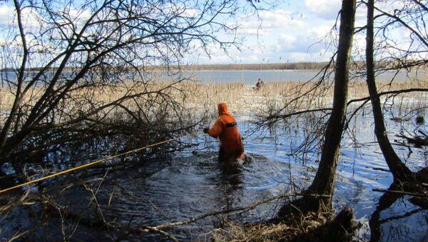 Спасение рыбака на Лукомльском озере - Sputnik Беларусь