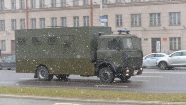 Милицейская спецтехника на проспекте Независимости - Sputnik Беларусь