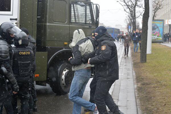 Задержанные на акции лица доставлены в РУВД для разбирательства - Sputnik Беларусь