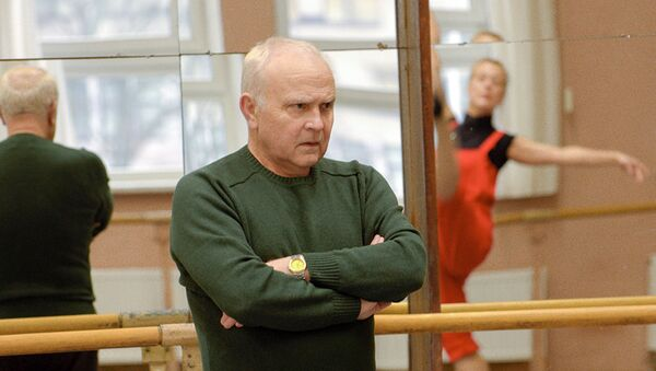Хореограф Валентин Елизарьев во время занятий - Sputnik Беларусь