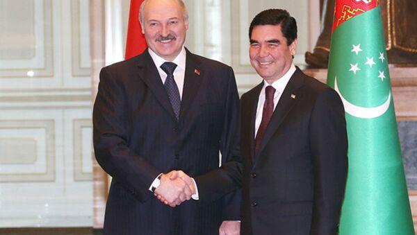 Переговоры Александра Лукашенко и Гурбангулы Бердымухамедова  в Ашхабаде - Sputnik Беларусь