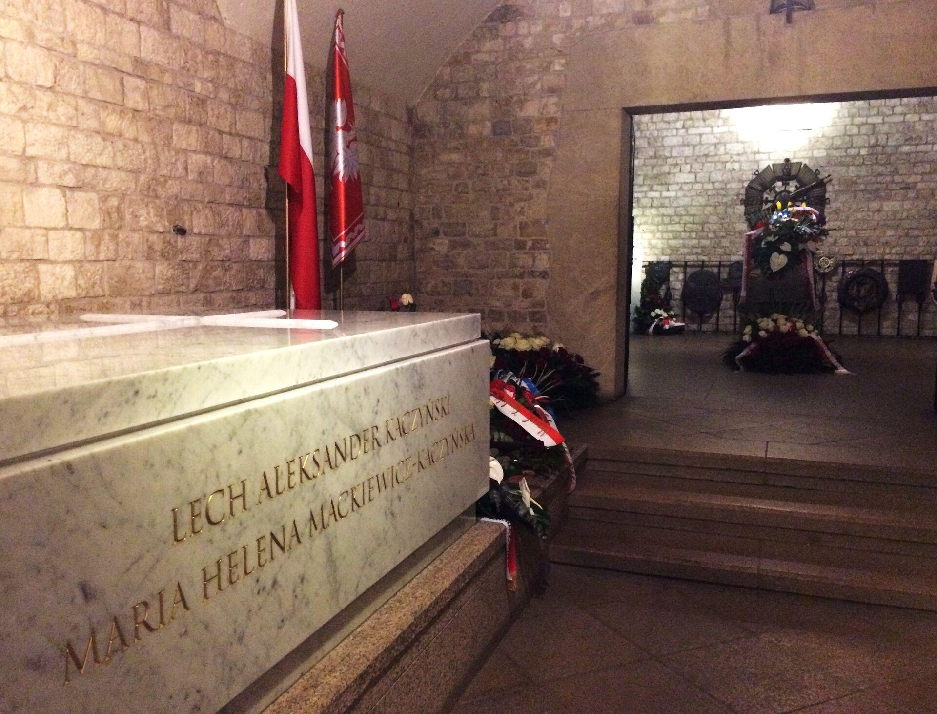 Польша вспоминает экс-президента Качиньского и авиакатастрофу под Смоленском  - Sputnik Беларусь, 1920, 10.04.2021