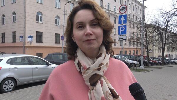Відэа: на памяць пра Еўтушэнку мінчане прачыталі верш паэта - Sputnik Беларусь