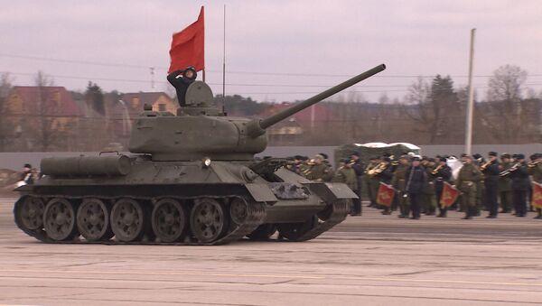 Рэпетыцыя парада Перамогі да 9 траўня ў Алабіна - Sputnik Беларусь