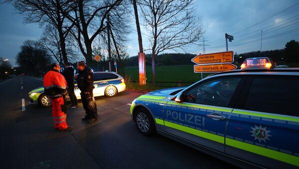 Полиция на месте инцидента с автобусом ФК Боруссия - Sputnik Беларусь