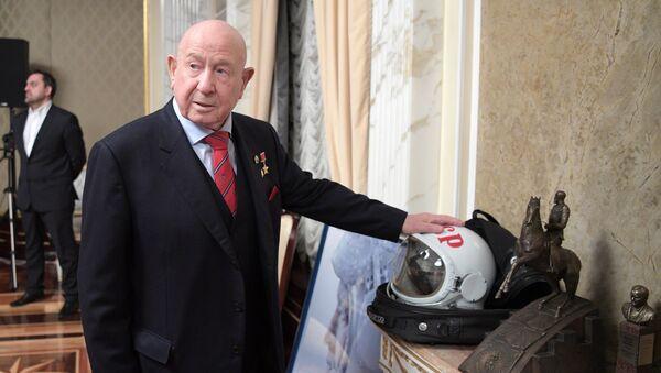 Президент РФ В. Путин накануне Дня космонавтики посмотрел фильм Время первых - Sputnik Беларусь