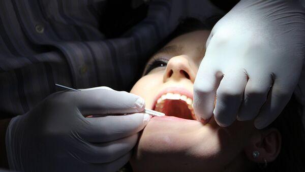 Тем, кто планирует беременность, лучше позаботиться о здоровье зубов заранее - Sputnik Беларусь