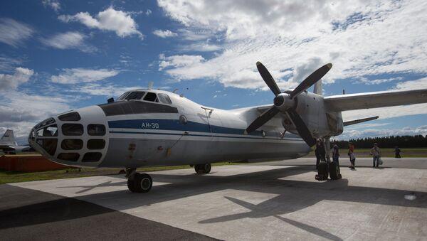 Самалёт для аэрафотаздымкі Ан-30, архіўнае фота - Sputnik Беларусь