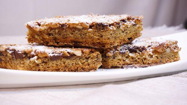 Пирожное Блонди - Белый Брауни с орехами и шоколадом - Sputnik Беларусь