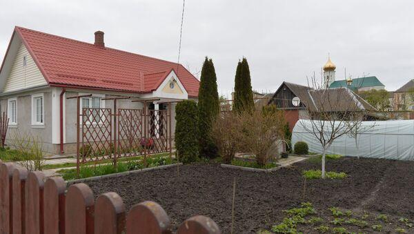 Дом скульптора Леонида Богдана, убитого в Слониме - Sputnik Беларусь