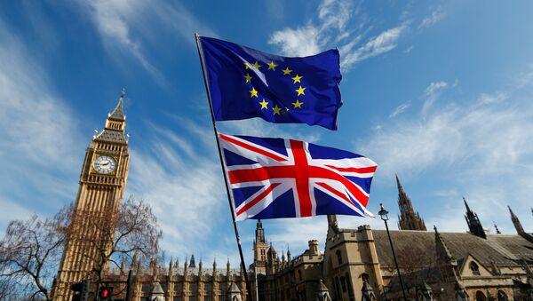 Флаги Великобритании и Евросоюза в центре Лондона - Sputnik Беларусь