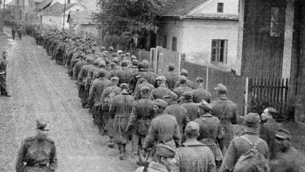 Колонна немецких военнопленных - Sputnik Беларусь