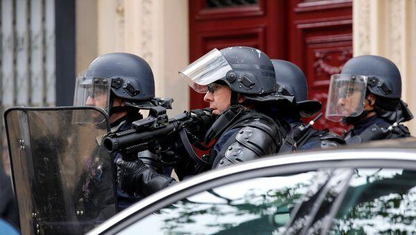 Протесты против результатов выборов в Париже - Sputnik Беларусь