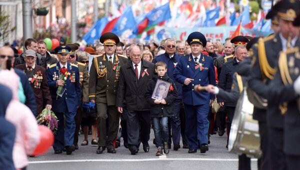 Святочнае шэсце ў Дзень перамогі - Sputnik Беларусь