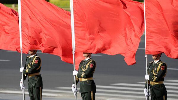 Солдаты почетного караула Китая во время церемонии встречи лидеров в Пекине - Sputnik Беларусь