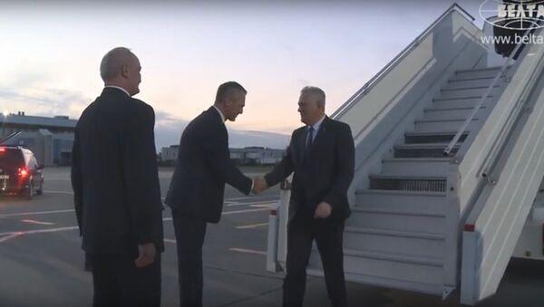 Відэафакт: прэзідэнт Сербіі прыбыў у Мінск звычайным рэйсам Lufthansa - Sputnik Беларусь