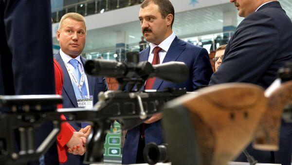 Виктор Лукашенко на выставке MILEX - Sputnik Беларусь