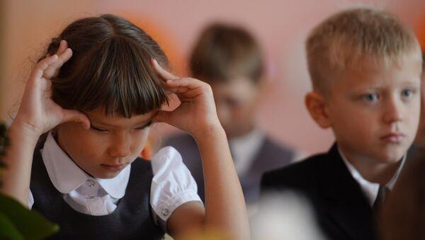 Школьнікі на ўроку, архіўнае фота - Sputnik Беларусь