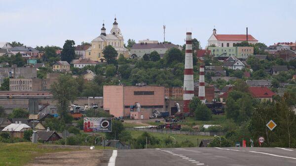 Наивные путешественники въезжают в Новогрудок - Sputnik Беларусь