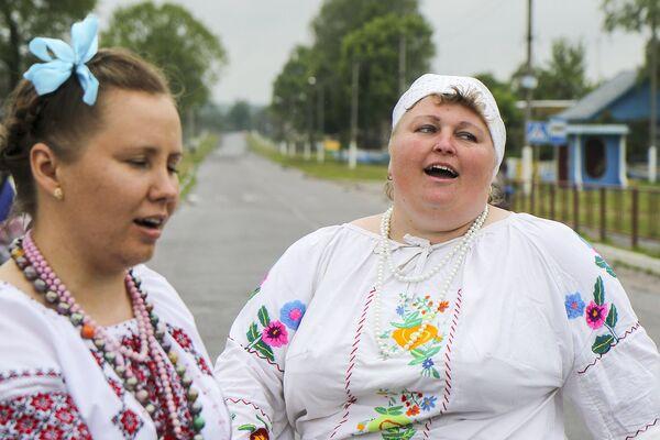 Ён захаваў жывую традыцыю, мноства абрадавых песень і карагодаў, прымеркаваных да свята Ушэсця, высокае майстэрства іх выканання - Sputnik Беларусь