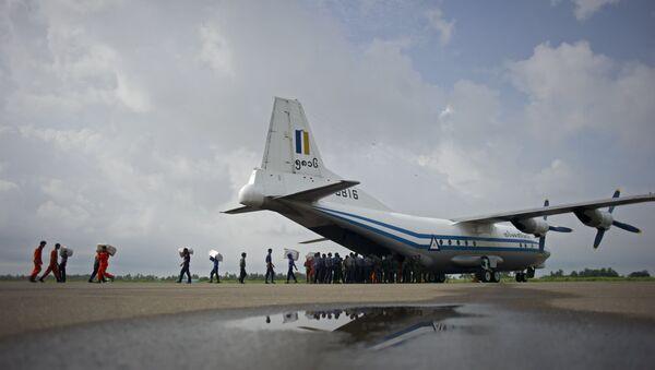 Самолет Shaanxi Y-8, именно такой разбился в Адаманском море - Sputnik Беларусь