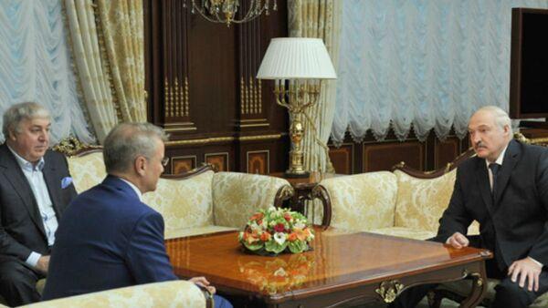 Встреча с президентом, председателем правления ПАО Сбербанк Германом Грефом 13 июня 2017 года - Sputnik Беларусь