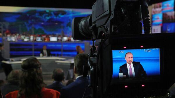 Прямая линия с президентом РФ В. Путиным - Sputnik Беларусь
