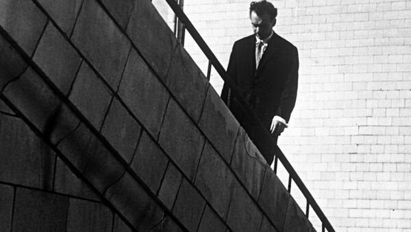Артист Алексей Баталов в кинофильме Девять дней одного года - Sputnik Беларусь