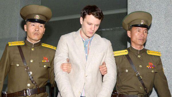 Отто-Фридерик Уормбиер в Верховном суде Пхеньяна в марте 2016 года - Sputnik Беларусь
