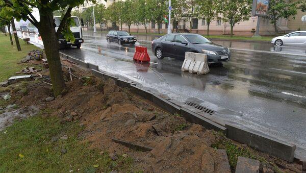 Проведение ремонтных работ на месте ДТП с участием танка - Sputnik Беларусь