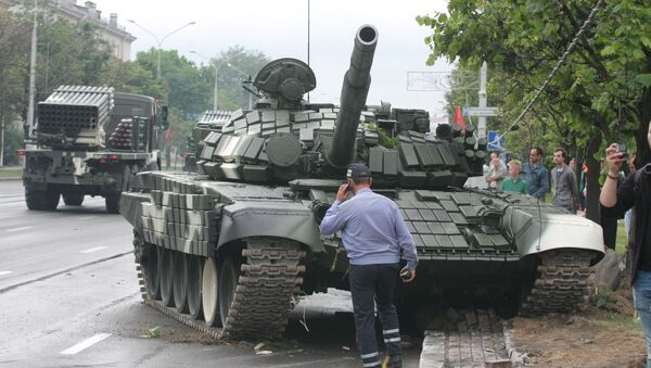 ДТП с танком Т-72 в Минске - Sputnik Беларусь