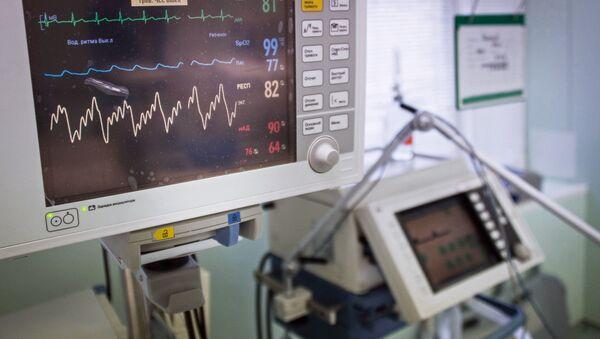 Маленькое устройство, разработанное белорусами,  сможет заменить целый медицинский комплекс - Sputnik Беларусь