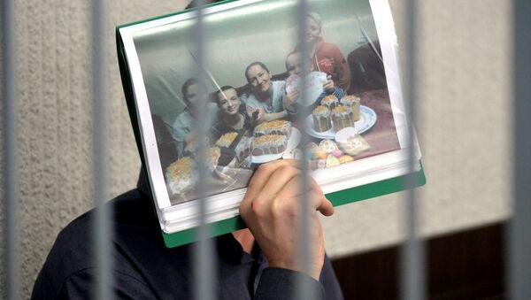 Обвиняемый по второй и третьей частям статьи 295 Уголовного кодекса Беларуси экс-священник Константин Бурыкин - Sputnik Беларусь
