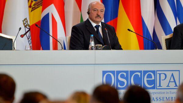 Президент Беларуси Александр Лукашенко на сессии ПА ОБСЕ в Минске - Sputnik Беларусь
