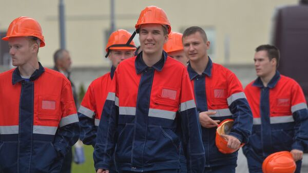 Российские студенты приехали строить Белорусскую АЭС - Sputnik Беларусь