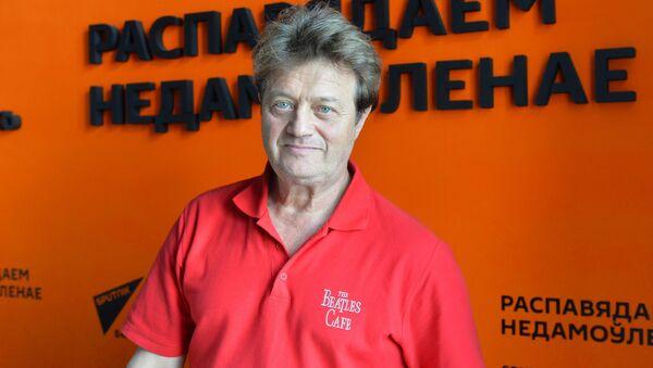 Певец, музыкант, участник ансамбля Белорусские песняры Валерий Дайнеко - Sputnik Беларусь