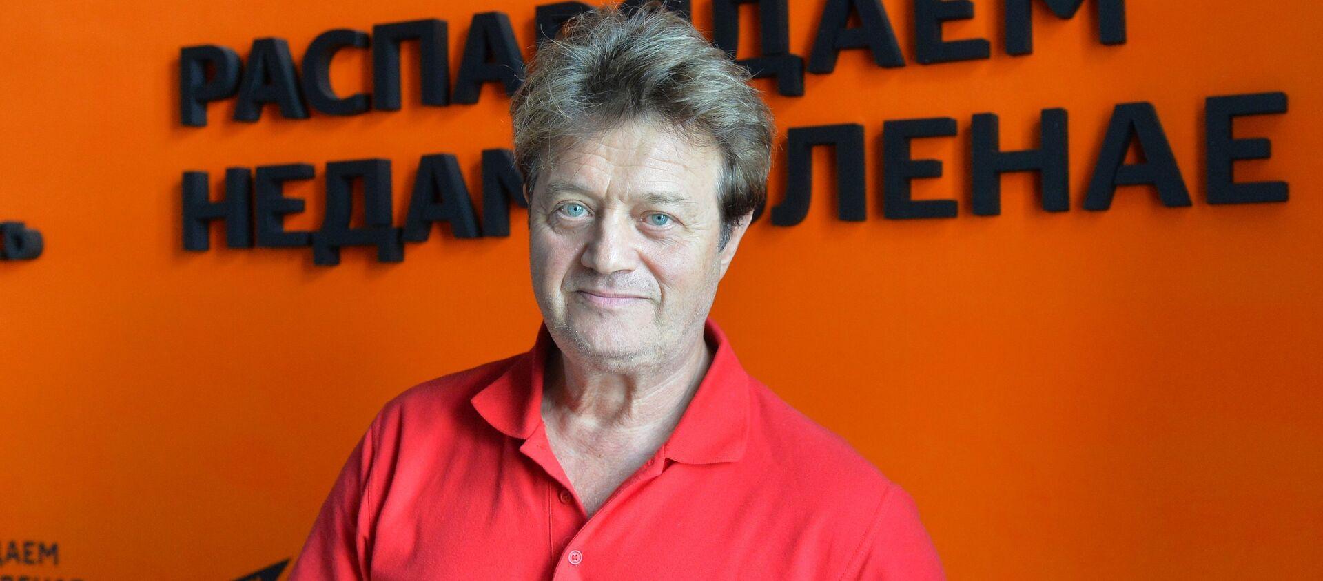 Певец, музыкант, участник ансамбля Белорусские песняры Валерий Дайнеко - Sputnik Беларусь, 1920, 01.02.2021
