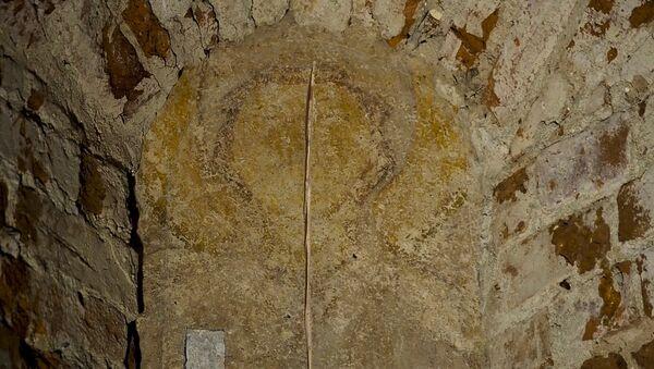 Найденная при исследовании Спасо-Преображенской церкви фреска - Sputnik Беларусь