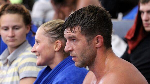 Чемпион первых Европейских игр самбист Степан Попов тренируется с дзюдоистами до седьмого пота - Sputnik Беларусь