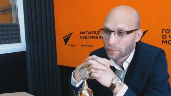 Як дажджлівае лета ўплывае на пчол і ўраджай мёду: каментар эксперта - Sputnik Беларусь