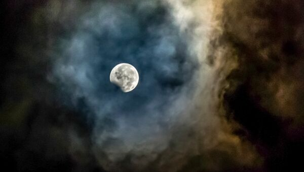 Так выглядело лунное затмение 7 августа 2017 года в Индонезии - Sputnik Беларусь