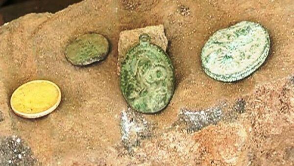 Археолагі знайшлі абраз Баркалабаўскай Божай Маці - Sputnik Беларусь
